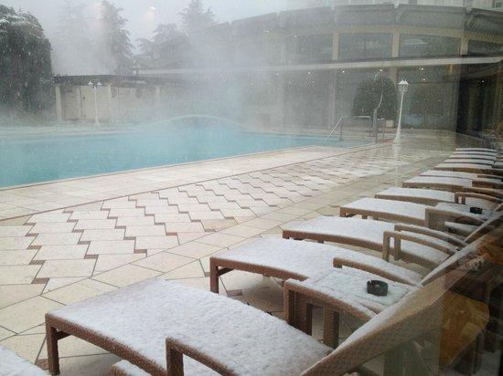 Hotel President Terme:                   piscina innevata