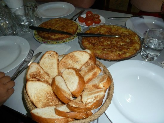 "Asmita Bed & Breakfast : la ""tortilla de patata"""
