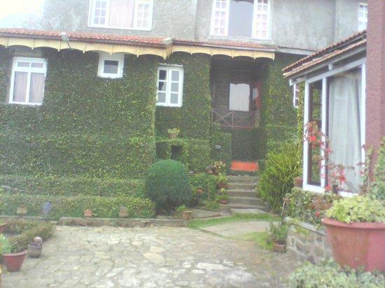 Villa Retreat:                   Old Block