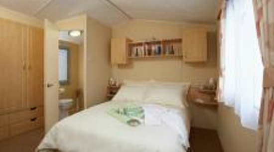 Pentire Haven Holiday Park: Main bedroom