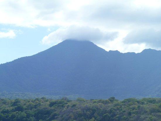 Leo Tours Comunitarios:                   Volcano from Granada