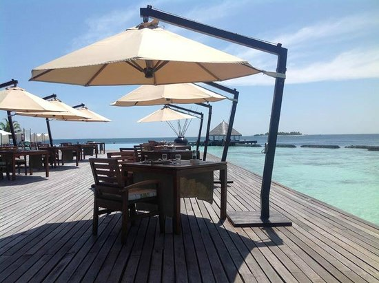Coco Bodu Hithi:                                                       le restaurant air
