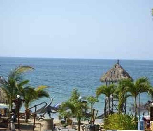 Mahi Beach House:                   Another day at El Dorado on the Beach!