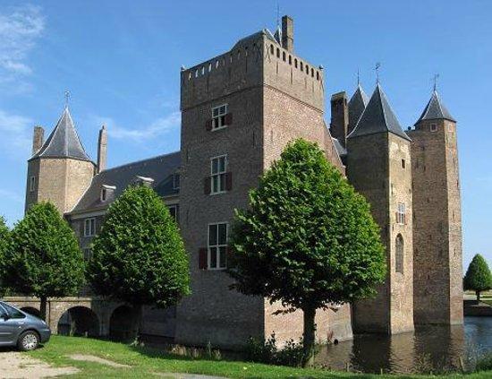 Stayokay Heemskerk: Castle