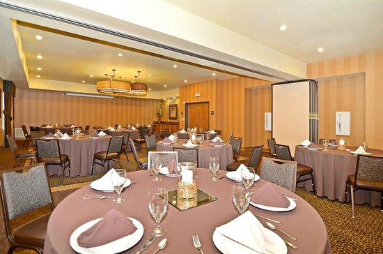 Best Western Plus Christopher Inn & Suites: 1,890 sq ft of Meeting Space