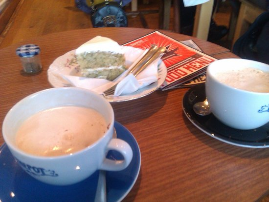 The Pot Bistro:                                     Vanilla chai latte and courgette cake