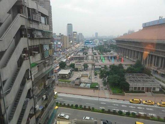Cosmos Hotel Taipei:                   11階からの眺め