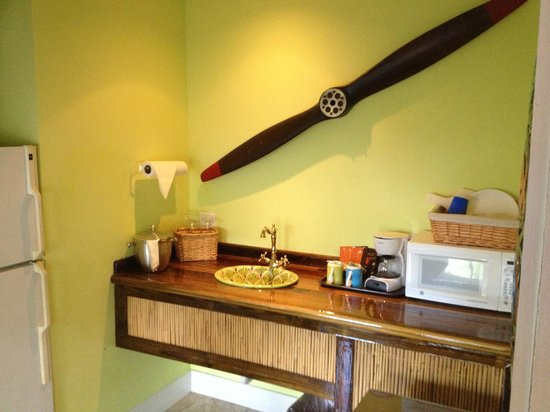 Tropical Inn:                   Our perfect kitchen in the Pinnapple