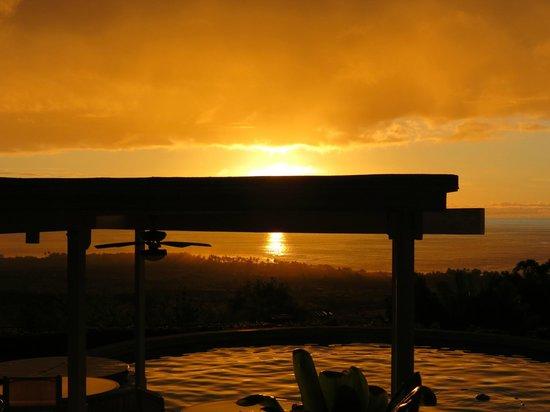 Luana Inn:                   Sunset at Luana Inn - seen from the pool area                 