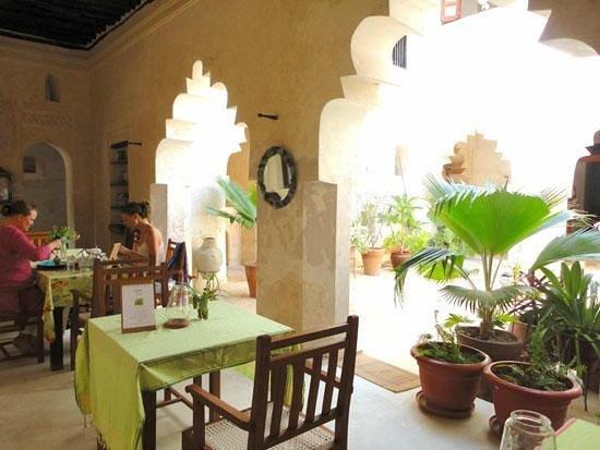 Karkadeh Restaurant : Dining area