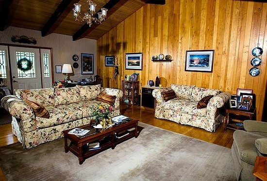 Red Bud Cove Bed and Breakfast Suites: The Great Room
