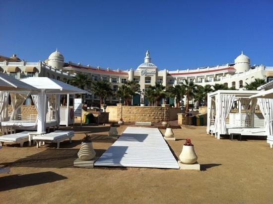 Premier Romance Boutique Hotel and Spa:                   vue de l hôtel depuis la plage