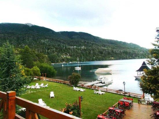 Foto de bahia manzano resort villa la angostura vista for Jardin 50 neuquen