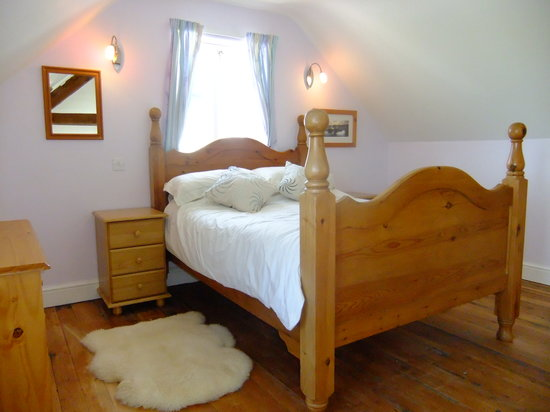 Bigni Holiday Cottages Mwnt: swn y mor bedroom
