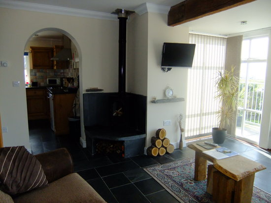 Bigni Holiday Cottages Mwnt: awel y mor sitting room