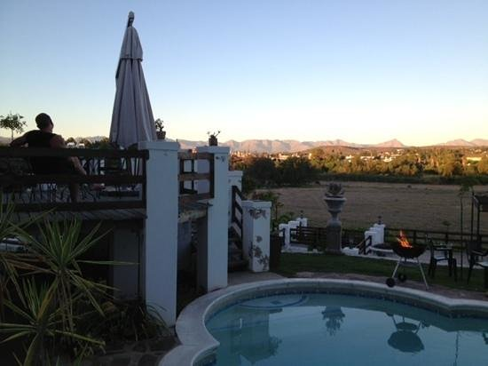 Terra Bianca Guest House:                   View from the terrace at Terra Bianca, Oudtshhoorn, South Africa