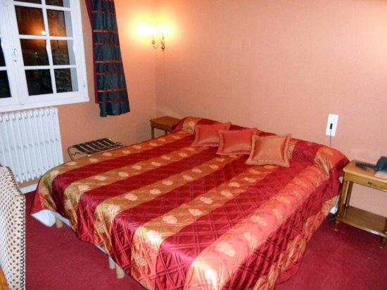 Le Germinal : la chambre , le lit