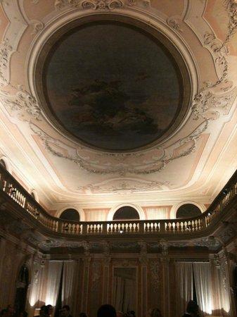Hotel Monaco & Grand Canal:                   Salone del Ridotto