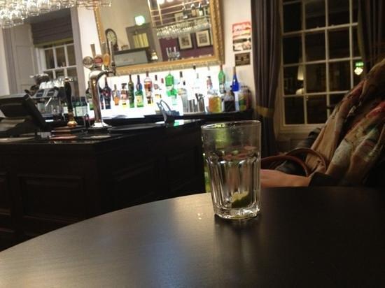 Rutland Arms Hotel Bakewell:                   nice bar