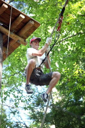Nashville Shores RV Resort & Campground: Treetop Adventure Park Tarzan Swing