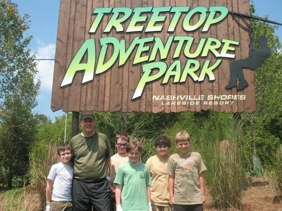 Nashville Shores RV Resort & Campground: Treetop Adventure Park (Ropes courses and zip lines)