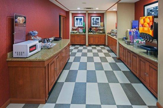 Hampton Inn Hillsboro : Breakfast Area
