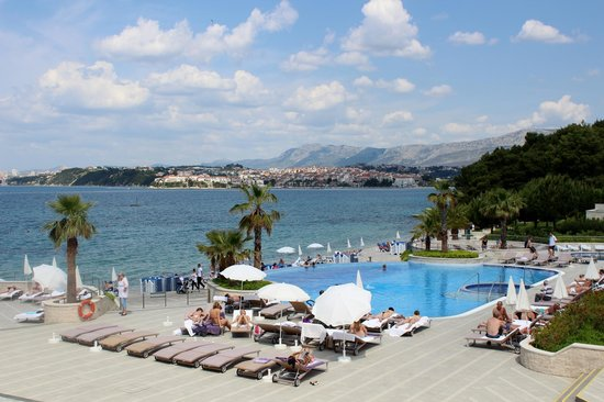 Le Meridien Lav Split:                   pool and ocean