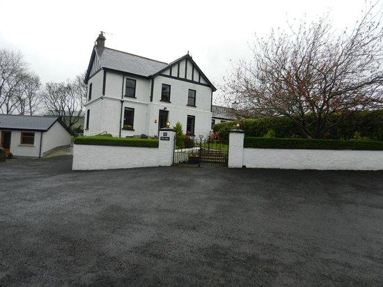 Villa Farmhouse:                   The house