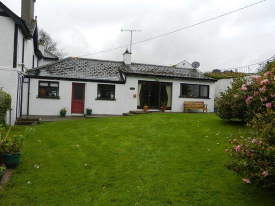Villa Farmhouse:                   Self catering cottage