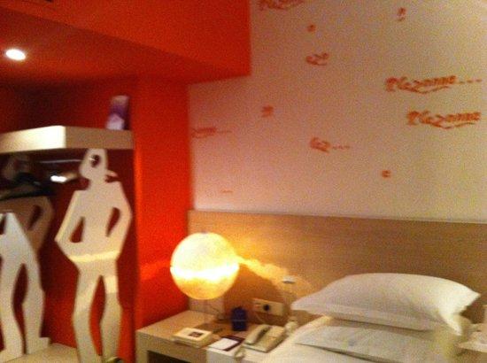 Hotel Cezanne:                   Détail chambre