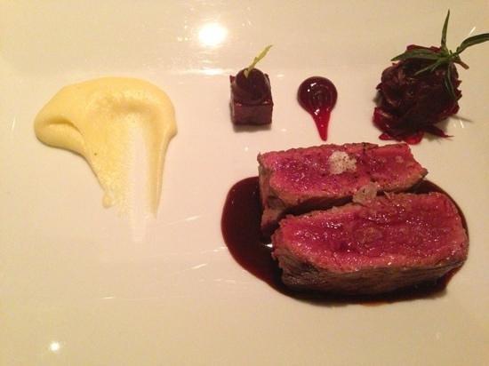 Osteria TRE at Bad Bubendorf Hotel :                   Rosa Entrecôte(Swiss Prime, Black Angus), heimische Kartoffel und Rande