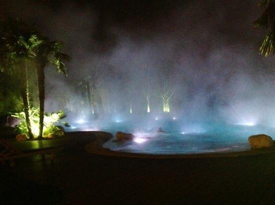 Relilax Hotel Terme Miramonti:                   night at the outdoor bath