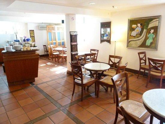 Perak Hotel: dining room