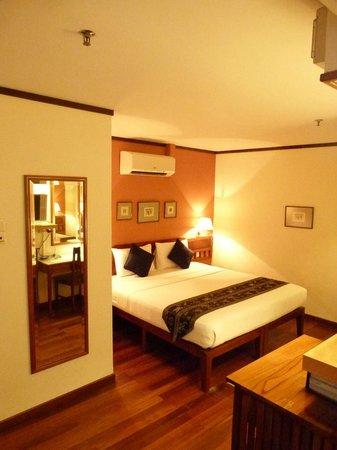 Perak Hotel: bedroom