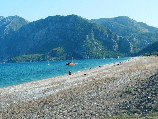 Nerissa Hotel: Beach at Ciralli
