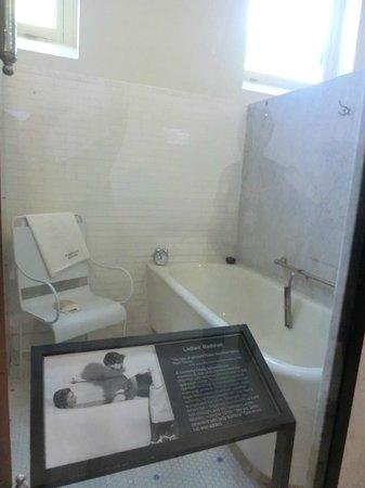 Fordyce Bathhouse (Vistor Center): treatment room