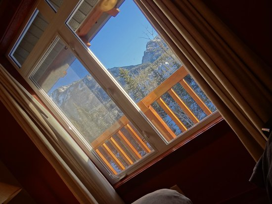 Blackstone Mountain Lodge: view from bedroom