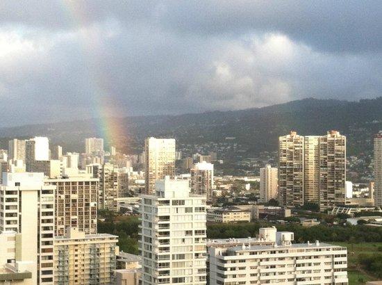 Hilton Waikiki Beach: Mountain View from 36th Floor