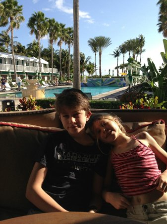 Kimpton Surfcomber Hotel:                   Breakfast in the shade
