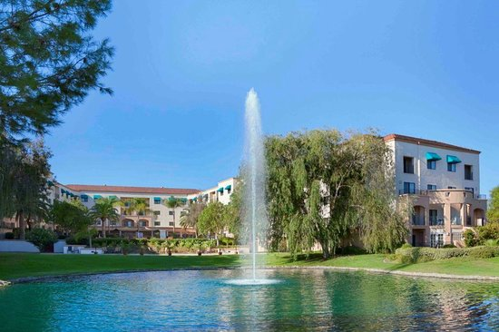 Embassy Suites by Hilton Temecula Valley Wine Country: Welcome to the Embassy Suites Temecula Hotel