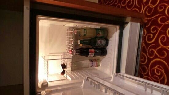 GAIA Hotel: Free Mini bar