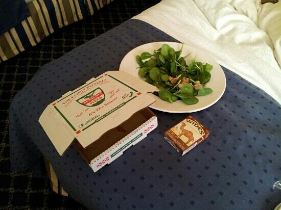"""Holiday Inn Chicago Downtown:                   6"""" pizza  6"""" salad"""