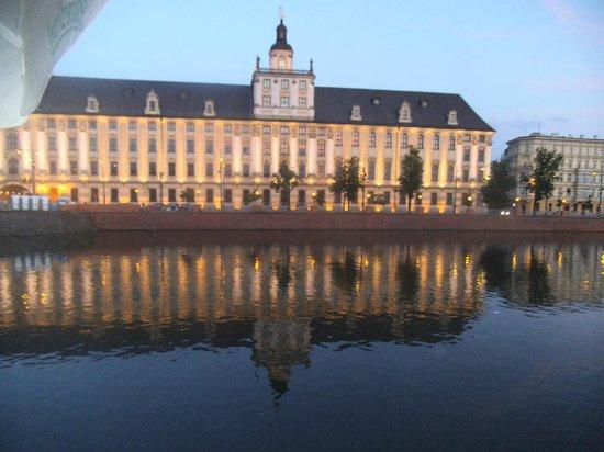 Restauracja Przystan:                   View of the University