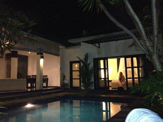 Grand La Villais Villa and Spa Seminyak :                   the room from outside
