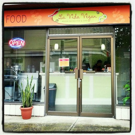 La Vida Vegan : 124 Middleton Ave.