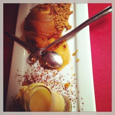 Le Dolce Italia:                   carpaccio de pomme sur son caramel de beurre salé et écrasé spéculos