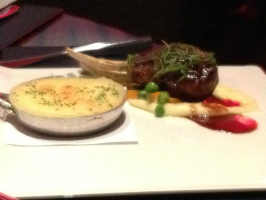 Beef Wellington - Picture of Gordon Ramsay Steak, Las ...