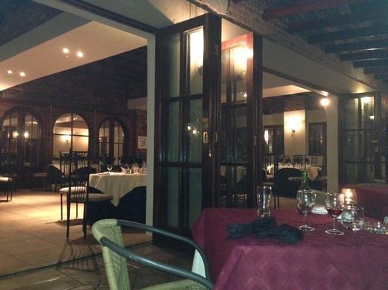 Da Vincenzo:                   inside