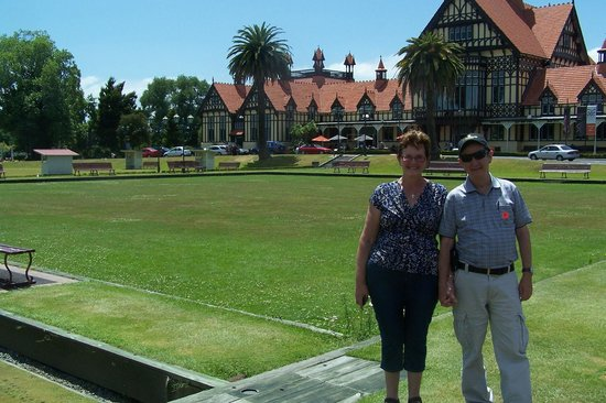 NZBR Day Tours :                   Rotorua Bath House