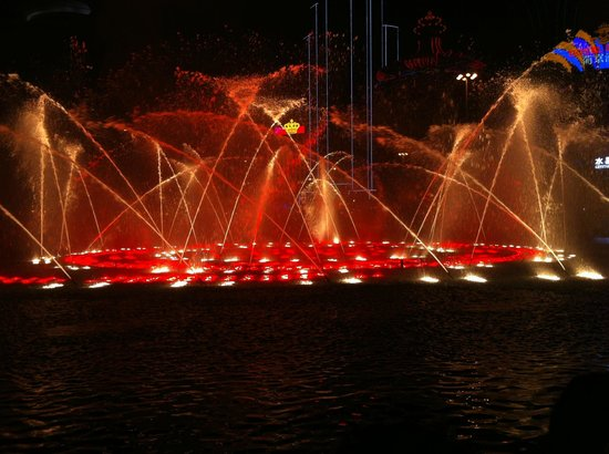 Wynn Macau: The Musical Fountain-7